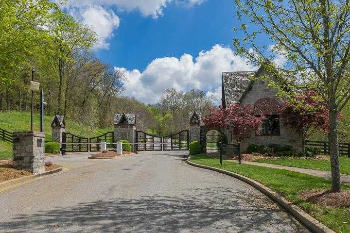 avalon entry gate franklin tennessee