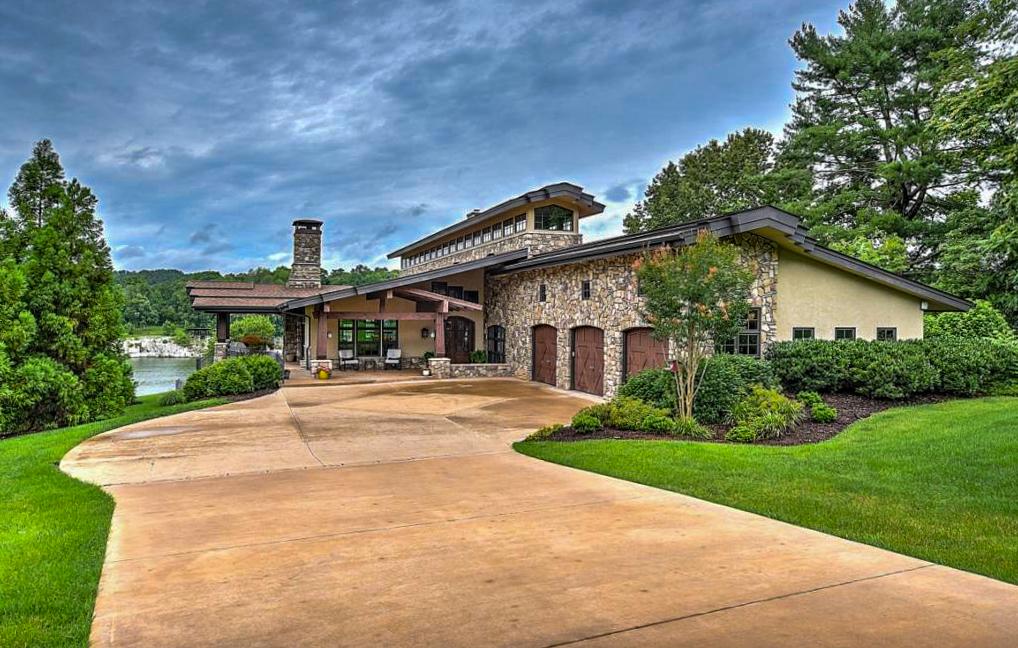 oak grove custom home pool